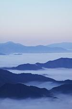 雲の海に浮かぶ島?!