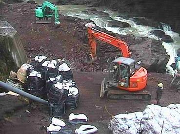発掘現場からLIVE写真