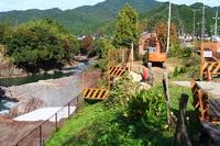 左下のコンクリート部分が今までの発掘現場