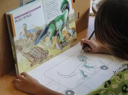 恐竜のスケッチ