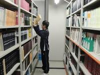 図書室での配架2