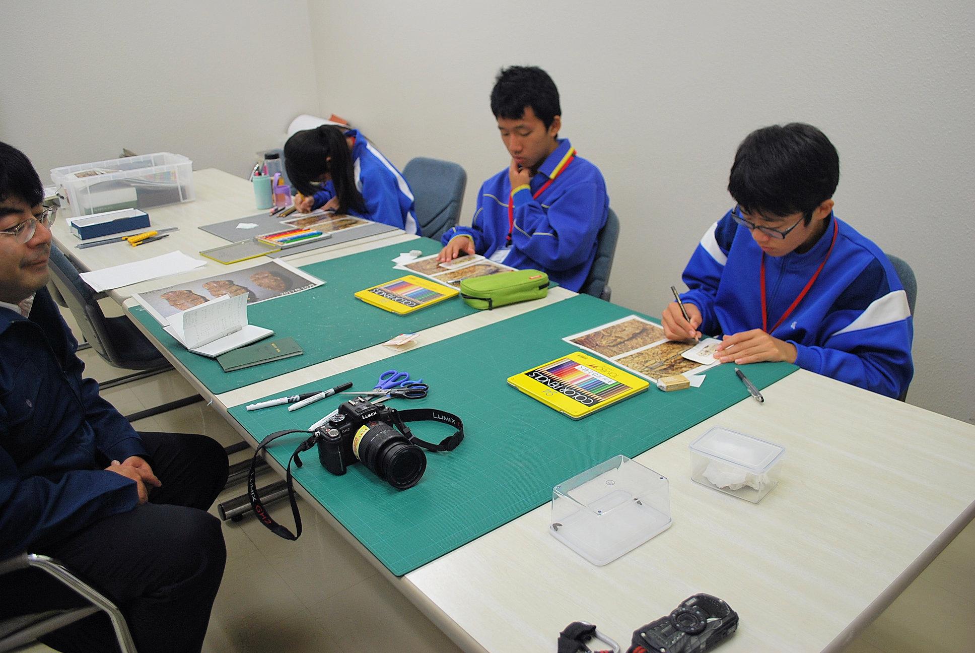 http://www.hitohaku.jp/blog/folder241\1108-23.JPG